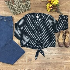 ✨Chico's Polka Dot Tie Front Button Blouse✨